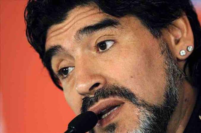 Diego Armando Maradona denuncia que no lo dejaron entrar al Maracaná para ver a Argentina. EFE