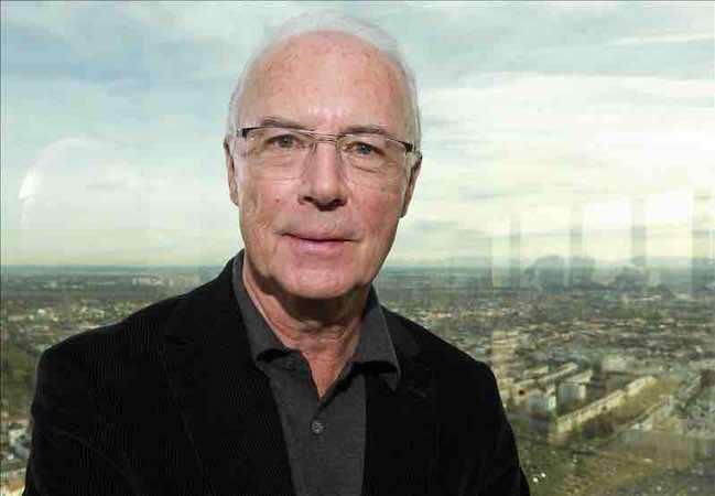 Franz Beckenbauer se libera de la sanción de la FIFA. EFE