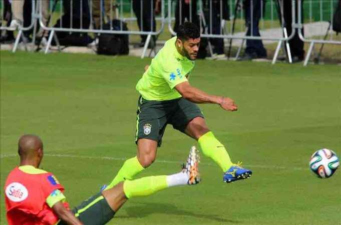 Hulk no está lesionado, pero es duda ante México. EFE