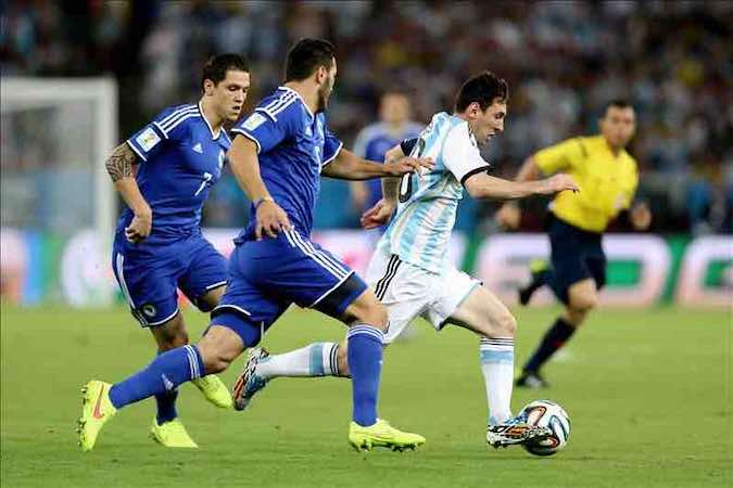 "2-1. Messi ""reaparece"" en Maracaná. EFE"