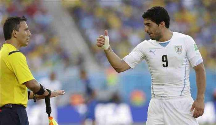 Luis Suárez sancionado con 9 partidos y 4 meses inhabilitado por la FIFA. EFE