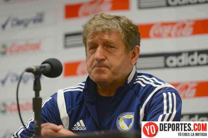 Safet Susic, entrenador de la selección de Bosnia-Herzegoniva de futbol, y su cuerpo técnico sufrieron un intento de asalto en el municipio de Sao Paulo