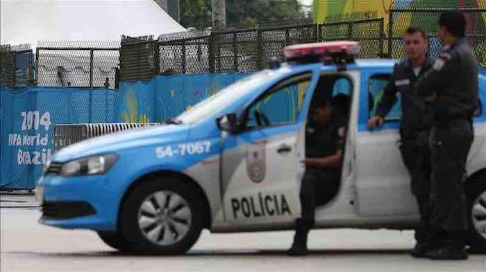 Policías brasileños prestan guardia en inmediaciones del estadio Maracaná en Río de Janeiro (Brasil). EFE