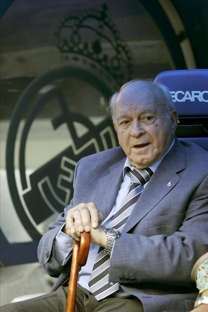 La selección argentina recuerda la figura de Alfredo Di Stéfano. EFE