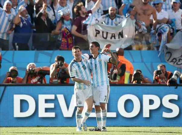 """Lionel Messi recuerda que están en """"un Mundial y en un Mundial no hay un rival fácil"""". EFE"""