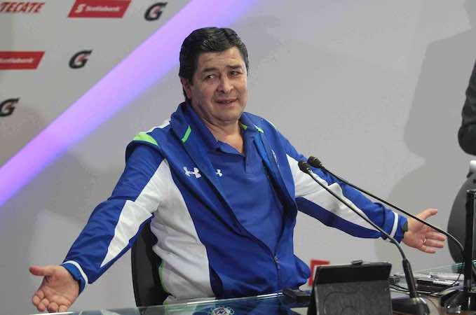 Luis Fernando Tena, director técnico del Cruz Azul