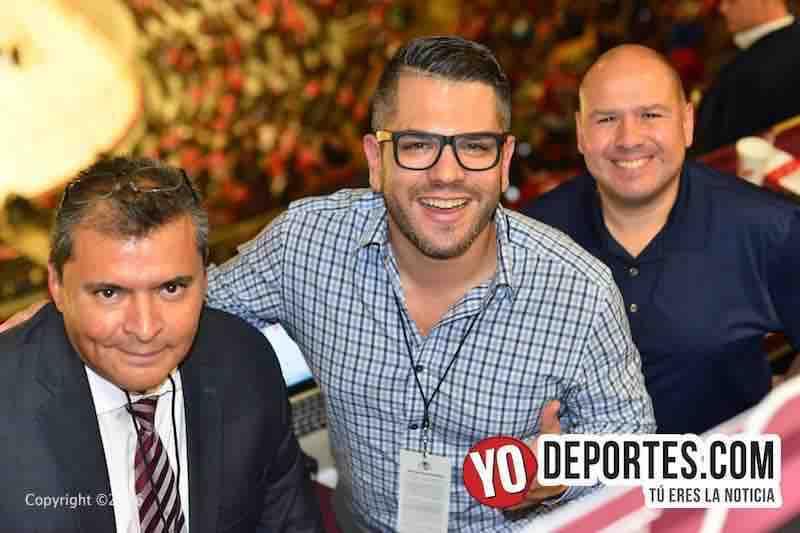 Histórica noche de apertura de los Blackhawks en español por Univision