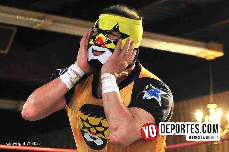 Super Muñeco ovacionado por cientos en el Eagles Club