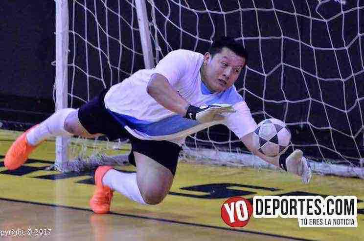 Francer Aguilar se puso los guantes y coronó al Villatoro