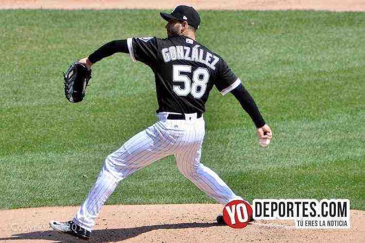 """Miguel González """"El Mariachi"""" lanzando por los Medias Blancas de Chicago contra Mellizos de Minnesota."""