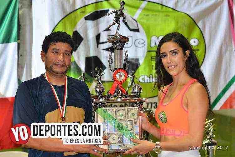 Pumas Floresta campeones del verano indoor en la 5 de Mayo Soccer League
