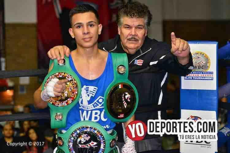Ezequiel Huaracha es triple campeón WBC
