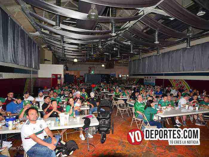 Chitown Futbol Chicago festeja el pase de Mexico en el Mundial