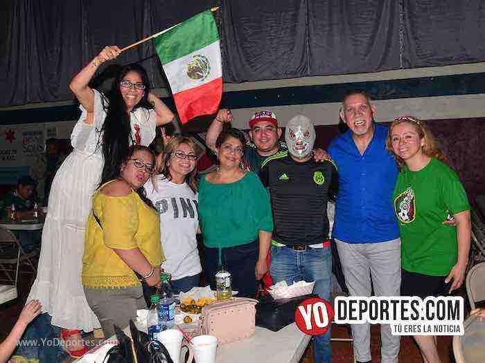 ¡Corea-Corea-Corea! cientos festejan en Chitown Futbol el pase de México