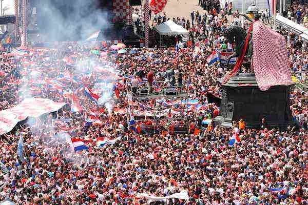 Croacia recibe a su selección como héroes