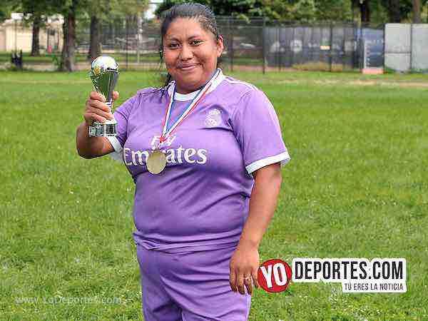 Daisy Bustamante campeona de goleo-Deportivo Amistad-Chicago Women Premier