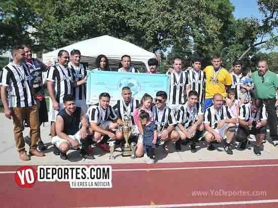 Juventus doma al poderoso León y se corona en la veteranos de la Liga Interamericana