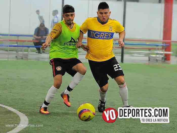 Leones Negros contra Pumas Liga 5 de Mayo Copa Independencia Indoor