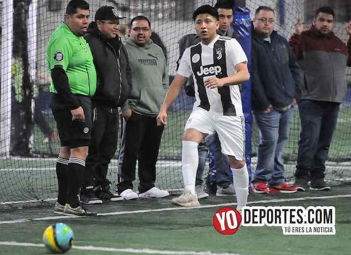Arbitro Hector Cardenas-Las Palmas-Club Hercules-Liga Taximaroa de los Martes