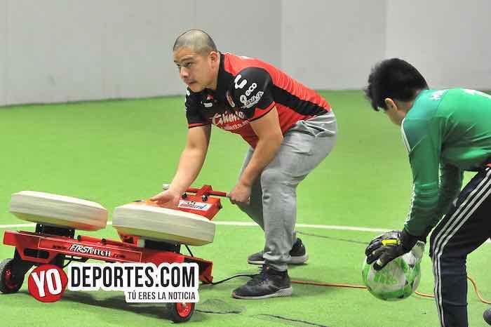 Academia de Porteros Rafa-First Pitch Playmaker Soccer Ball Machine Kicks