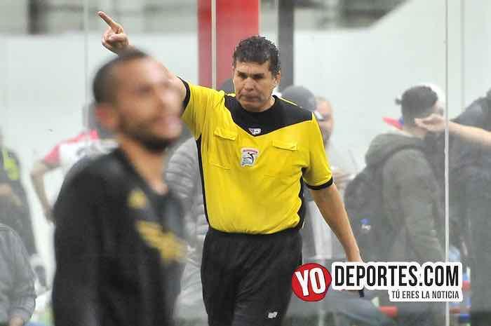 Arbitro Jorge Ruiz-Valencia-Aztecas FC-Champions Liga Latinoamericana