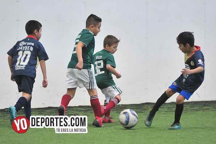 Oro-Aguilas-Liga Douglas Kids futbol indoor