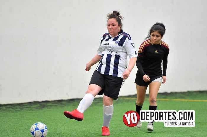 Yasminas-Las Queens-Liga Douglas Femenil indoor soccer