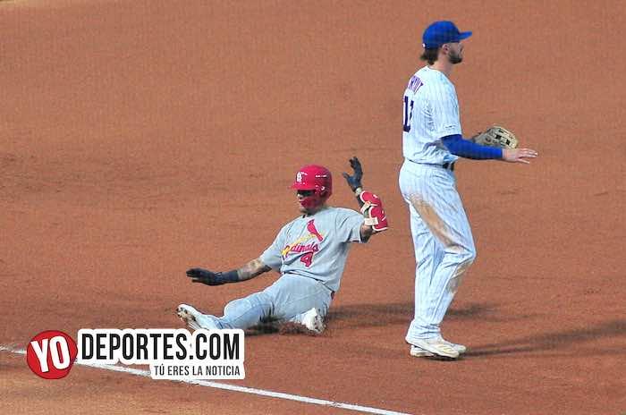 Kris Bryant-Chicago Cubs-San Luis Cardenales Wrigley Field