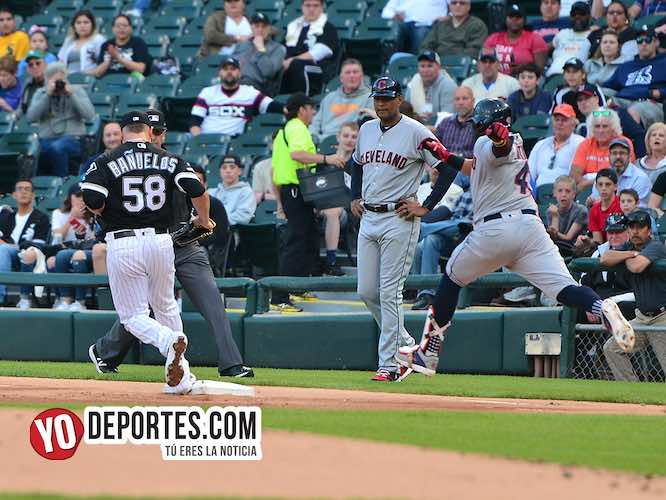 Manny Banuelos-White Sox-Cleveland Indios-Carlos Santana