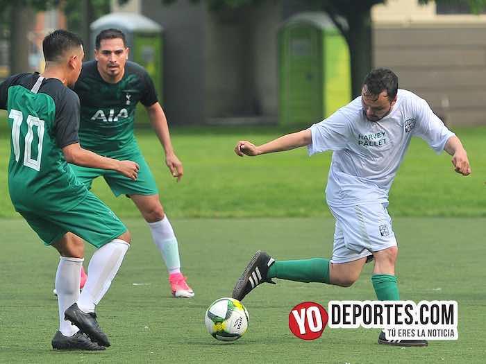 Pumas Chicago-Leon-Liga Douglas Soccer League