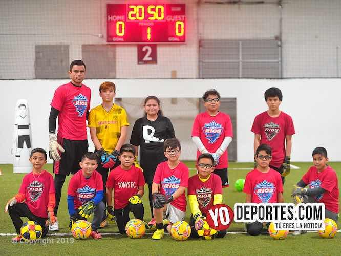Escuela de porteros con Cesar Rios en Five Stars Sports