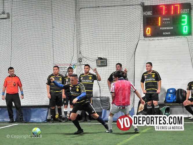 Pura Vida contra Deportivo Oaxaca en la Liga de los 4 mil dólares de Chicago