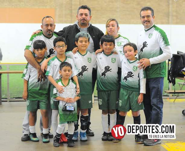 Leones ganan premio a mejor uniforme infantil de Chicago en la Liga Douglas