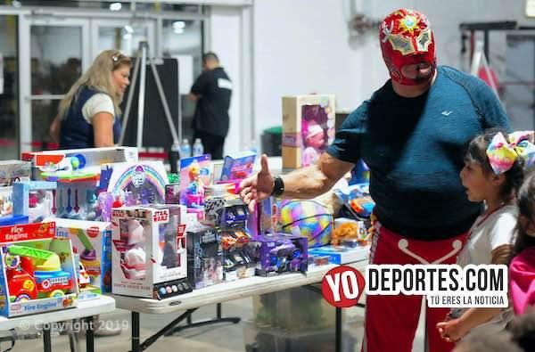 ELLMEX cumple con la Lucha del Juguete Navidad 2019